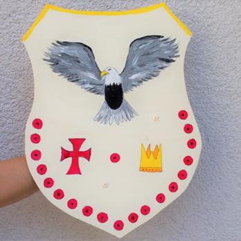 Erstelle in einem kreativen Workshop dein eigenes Super-Heldenschild oder Ritterschild.